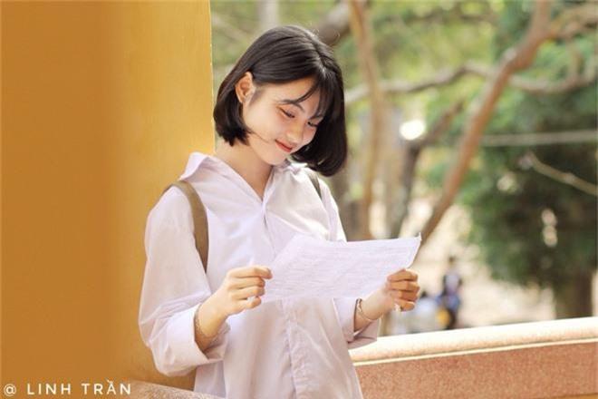 Nữ sinh sinh năm 2003 được tìm kiếm info vì combo tóc ngắn + xinh xắn đúng chuẩn nàng thơ vườn trường - Ảnh 8.