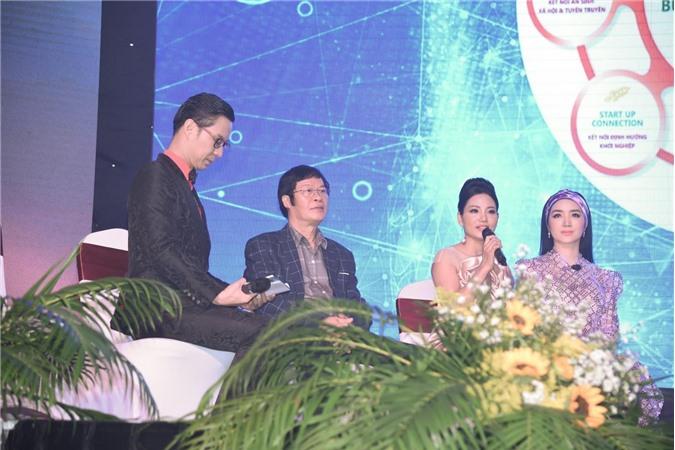 Bà Lưu Lan Anh chia sẻ những dự án cộng đồng của HTKNYT