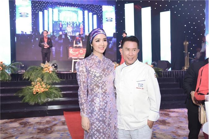 Buổi họp báo có sự xuất hiện của Hoa hậu Đền Hùng Giáng My và siêu đầy bếp Yan Can Cook