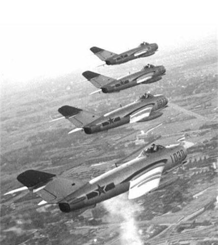 Giai ma may bay Trung Quoc thu 2 ma Viet Nam tung co-Hinh-10