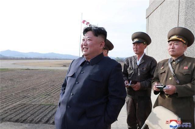 KCNA: Ông Kim Jong-un thị sát thử nghiệm vũ khí chiến thuật mới - 1