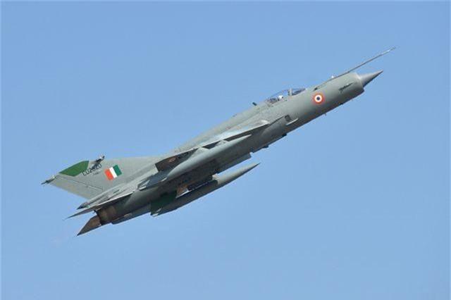Kho vũ khí đồ sộ mua của Nga trong quân đội Ấn Độ - 3