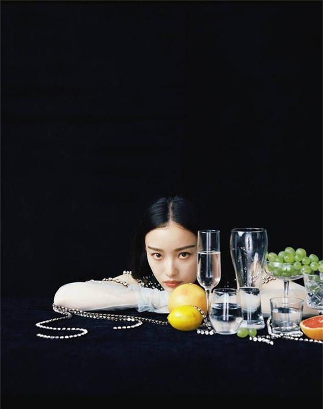 Mỹ nhân sở hữu gương mặt hoàn hảo nhất châu Á: Làm lu mờ Song Hye Kyo, khiến Jennie đội sổ nhưng có đẹp đến thế? - Ảnh 4.