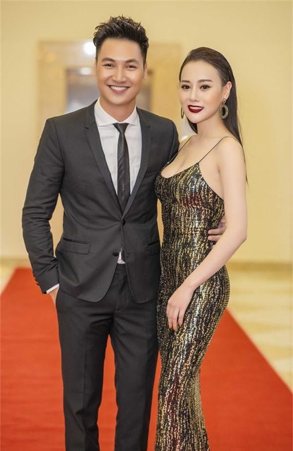 Quỳnh búp bê Phương Oanh lên mạng trút giận, ai ngờ lại được nam diễn viên vợ con đề huề chọc ngoáy - Ảnh 3.