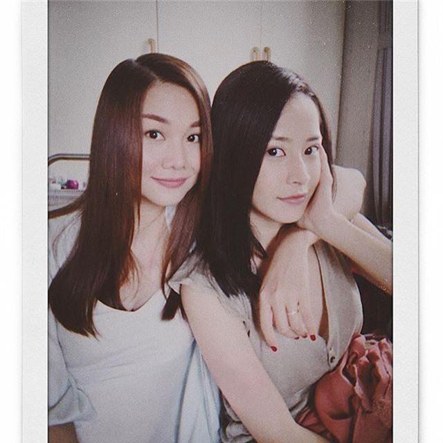 Thanh Hằng chụp ảnh cùng Chi Pu, ai tin rằng họ chênh nhau tận 10 tuổi cơ chứ - Ảnh 1.
