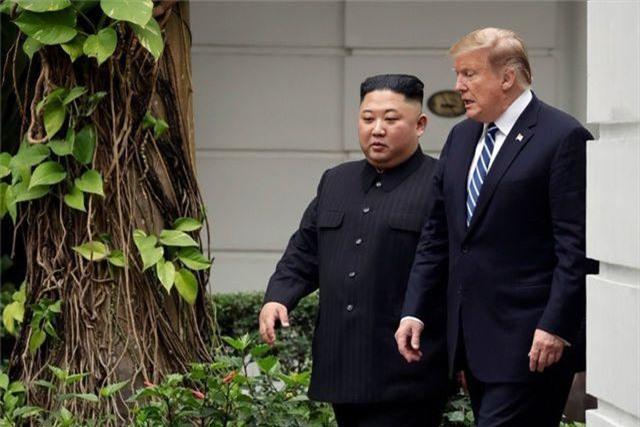 Chiến lược cương nhu linh hoạt của ông Kim Jong-un trên bàn cờ với Mỹ - 1