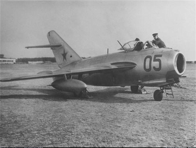 Soi chiec tiem kich MiG chua duoc ra tran o Viet Nam-Hinh-10