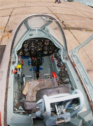 Soi chiec tiem kich MiG chua duoc ra tran o Viet Nam-Hinh-7