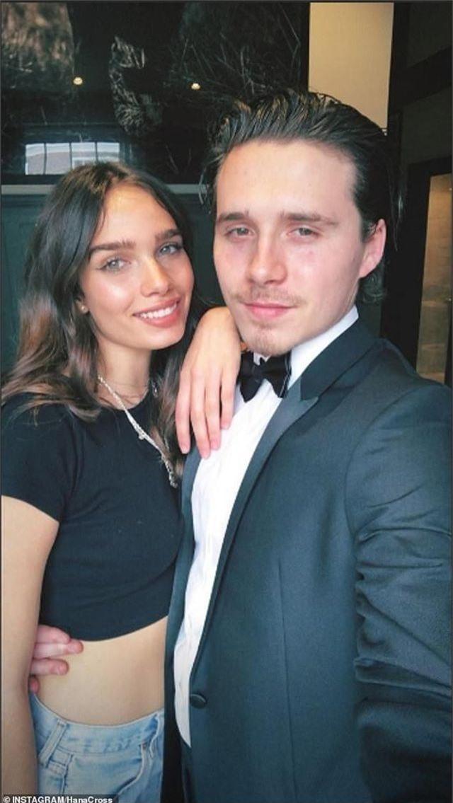 Victoria Beckham thân thiết không ngờ với… bạn gái của con trai - 3