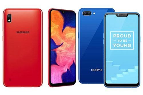 Samsung Galaxy A10 và Realme C1 (phải).