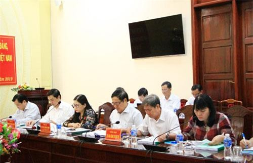 Các đại biểu tham dự buổi làm việc.
