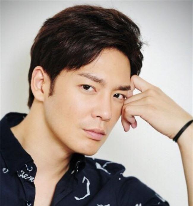 """""""Cô dâu vàng"""" Lee Young Ah cùng dàn sao của Hàn Quốc đổ bộ tới Việt Nam - Ảnh 3."""