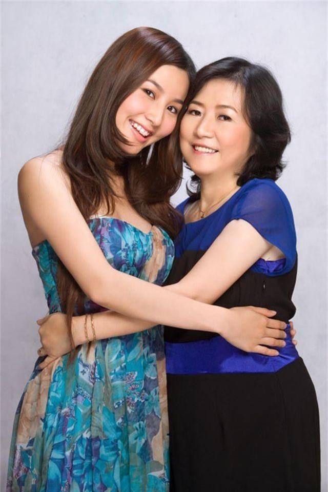 Mẹ nữ diễn viên Diễm My 9x qua đời ở tuổi 58 - 2
