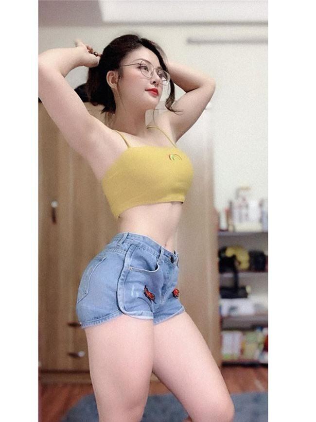 bo anh bikini cua cac hot girl nong cung world cup hinh anh 4