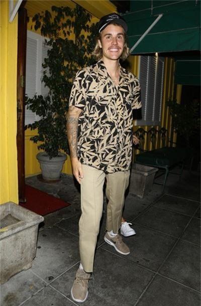 Justin Bieber và phong cách thời trang mới khi đi cạnh Hailey Baldwin: Anh là bà nội của em - Ảnh 4.