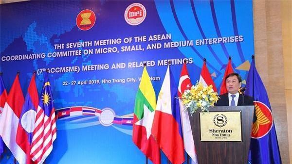 Thứ trưởng Bộ Công Thương Vũ Đại Thắng phát biểu tại hội nghị.