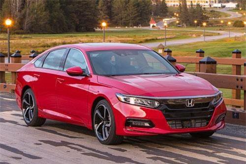 Honda Accord 2019 (giá khởi điểm: 24.615 USD).