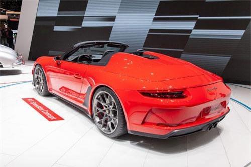 2. Porsche 911 Speedster 2019.