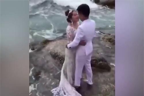 Những tai nạn 'khó đỡ' của các cặp đôi khi chụp ảnh cưới.