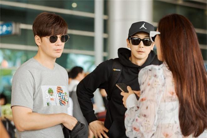 Phạm Băng Băng xứ Hàn mặt mộc quá đỉnh, cặp đôi tài tử Jumong vừa chia tay đã sóng đôi tại sân bay Tân Sơn Nhất - Ảnh 7.