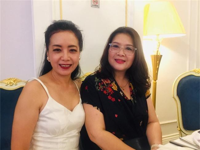 Kết hôn ở tuổi 46, NSND Trung Hiếu một lần chơi lớn, biến đám cưới lần 3 tại Hà Nội thành Đại hội Hội Nghệ sĩ sân khấu Việt Nam - Ảnh 11.