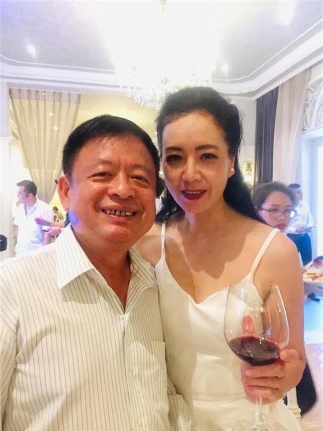 Kết hôn ở tuổi 46, NSND Trung Hiếu một lần chơi lớn, biến đám cưới lần 3 tại Hà Nội thành Đại hội Hội Nghệ sĩ sân khấu Việt Nam - Ảnh 13.