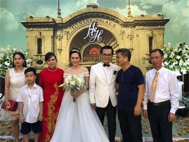 Kết hôn ở tuổi 46, NSND Trung Hiếu một lần chơi lớn, biến đám cưới lần 3 tại Hà Nội thành Đại hội Hội Nghệ sĩ sân khấu Việt Nam - Ảnh 20.
