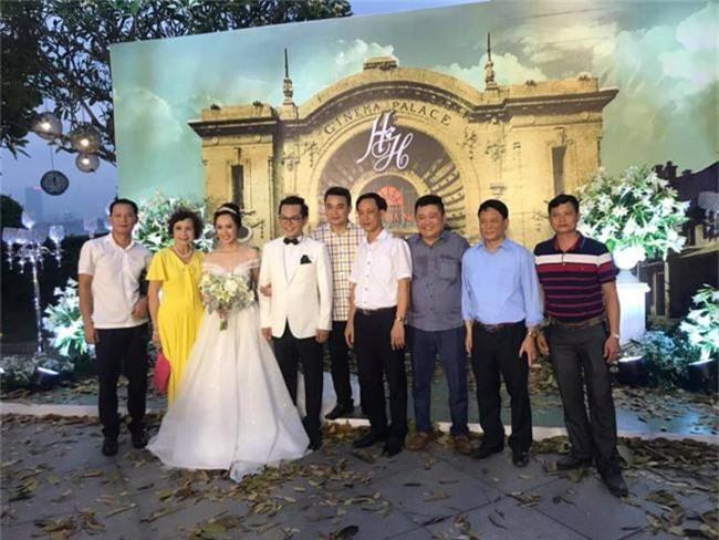 Kết hôn ở tuổi 46, NSND Trung Hiếu một lần chơi lớn, biến đám cưới lần 3 tại Hà Nội thành Đại hội Hội Nghệ sĩ sân khấu Việt Nam - Ảnh 21.