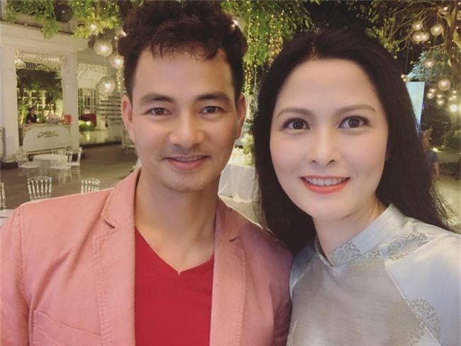 Kết hôn ở tuổi 46, NSND Trung Hiếu một lần chơi lớn, biến đám cưới lần 3 tại Hà Nội thành Đại hội Hội Nghệ sĩ sân khấu Việt Nam - Ảnh 30.