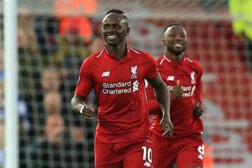 Tiền vệ phải: Sadio Mane (Liverpool).