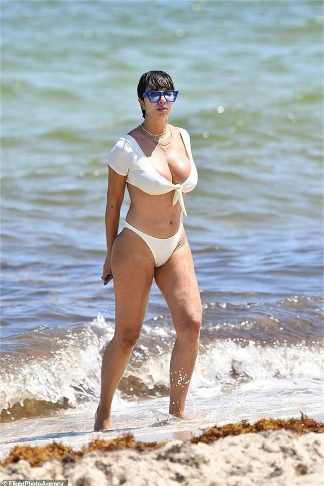 Jackie Cruz khoe ngực ngoại cỡ - 3