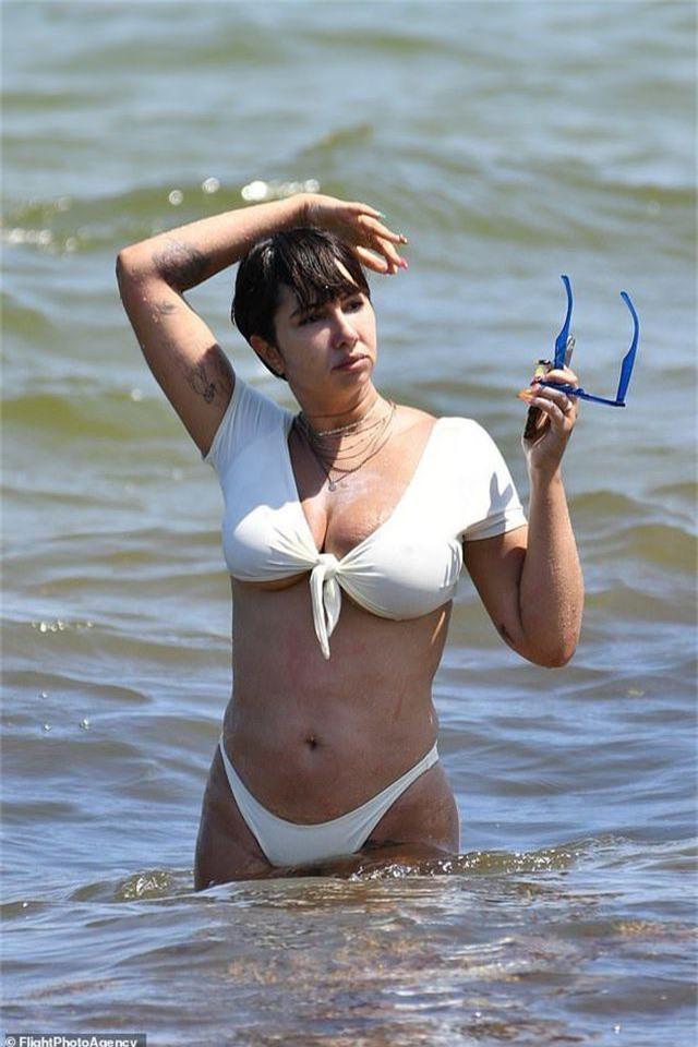Jackie Cruz khoe ngực ngoại cỡ - 4