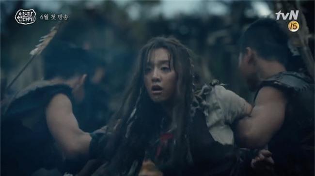 Bom tấn truyền hình của Song Joong Ki xác nhận ngày lên sóng, có đến 3 phần phim dài miên man - Ảnh 5.