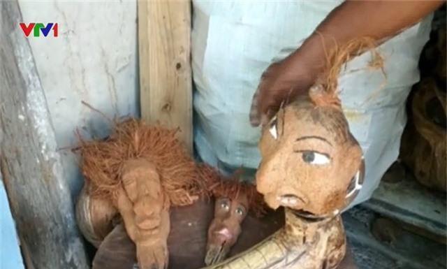 Độc đáo nghệ thuật điêu khắc trên quả dừa khô - Ảnh 3.