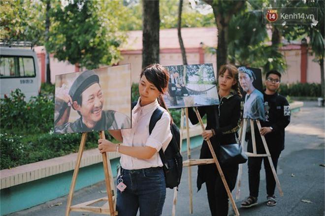 NSƯT Mỹ Uyên, Ốc Thanh Vân và nhiều đồng nghiệp đến viếng đám tang cố nghệ sĩ Lê Bình - Ảnh 2.