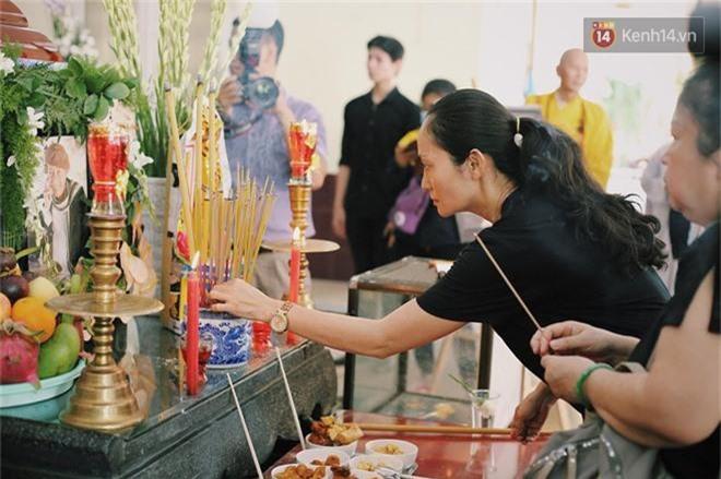 NSƯT Mỹ Uyên, Ốc Thanh Vân và nhiều đồng nghiệp đến viếng đám tang cố nghệ sĩ Lê Bình - Ảnh 9.