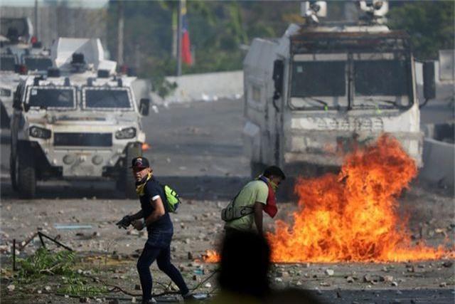 """""""Dấu chân"""" của Mỹ trong kế hoạch đảo chính bất thành tại Venezuela - 2"""