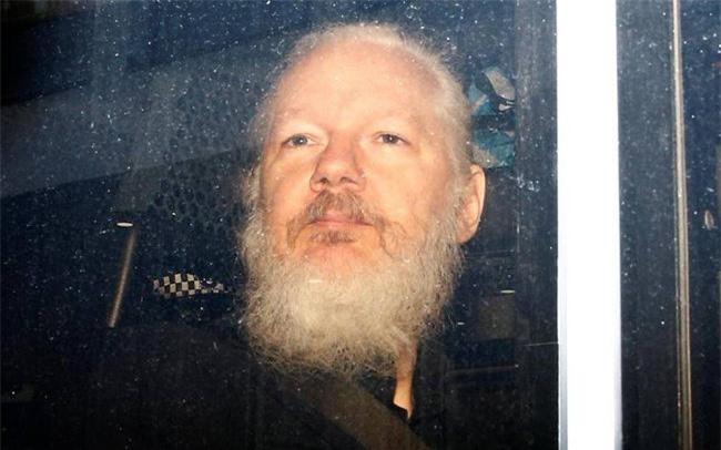 Nhà sáng lập WikiLeaks Julian Assange. Ảnh: Reuters