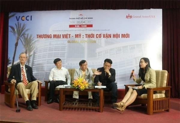 """Các chuyên nhận định về cơ hội mới cho doanh nghiệp Việt Nam tham gia vào thị trường Mỹ tại hội thảo """"Quan hệ thương mại Việt Nam – Hoa Kỳ: Thời cơ và vận hội mới"""" (Ảnh: CT)"""