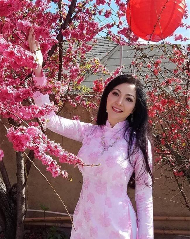 Hoa hậu Nguyễn Thiên Nga: Tiểu thư cành vàng lá ngọc hai lần đăng quang Hoa hậu Quốc gia, lấy chồng Giáo sư đại học Mỹ nhưng phải chịu những bất hạnh nghiệt ngã không thể chia sẻ cùng ai - Ảnh 7.