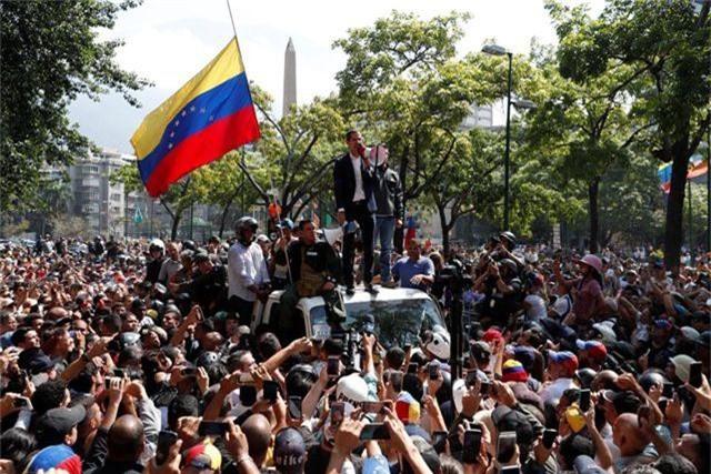 Mỹ tìm cách rót tiền cho thủ lĩnh đối lập để lật đổ tổng thống Venezuela - 2