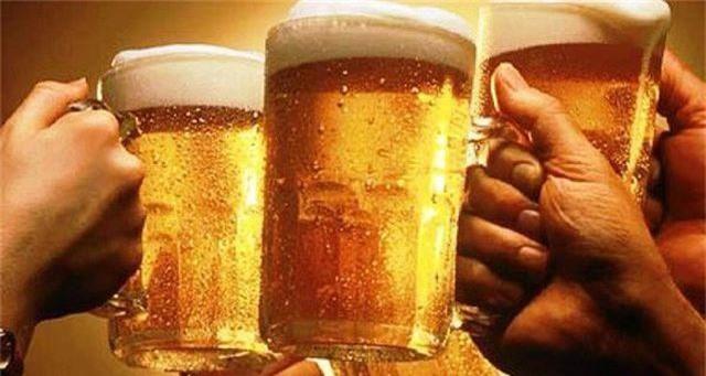 """Tiêu thụ rượu bia tăng mạnh, Sabeco """"gặt"""" doanh thu kỷ lục trong quý I - 1"""