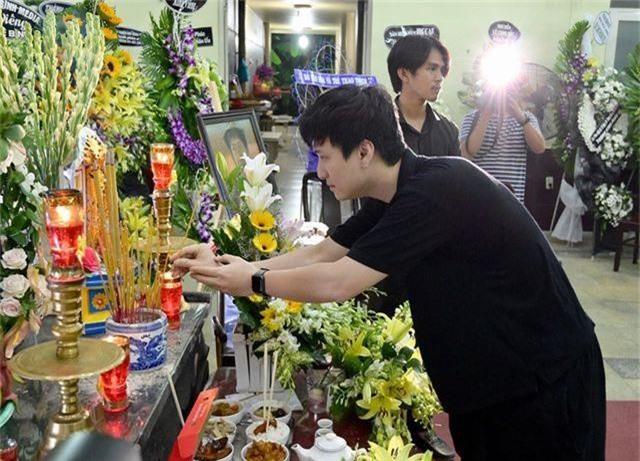 Trấn Thành cảm thấy có lỗi vì đã không đến thăm Lê Bình khi ông nằm viện - 13