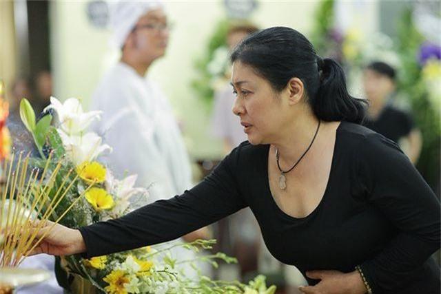 Trấn Thành cảm thấy có lỗi vì đã không đến thăm Lê Bình khi ông nằm viện - 17