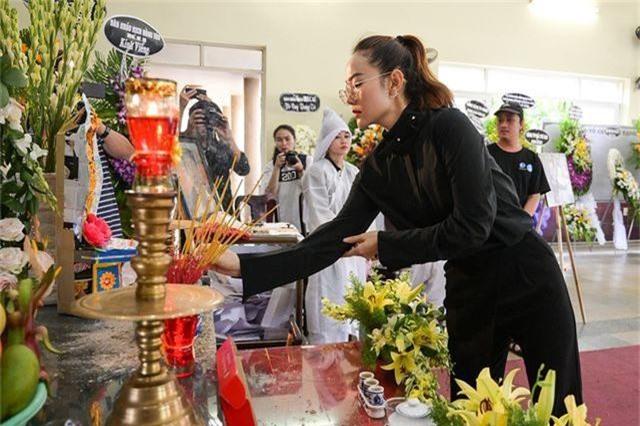 Trấn Thành cảm thấy có lỗi vì đã không đến thăm Lê Bình khi ông nằm viện - 25