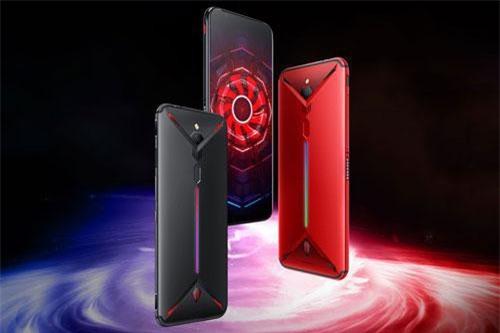 Nubia Red Magic 3 phiên bản RAM 6 GB/ROM 64 GB có giá 2.899 Nhân dân tệ (tương đương 9,95 triệu đồng). Phiên bản RAM 8 GB/ROM 128 GB được bán với giá 3.499 Nhân dân tệ (12,01 triệu đồng). Để sở hữu bản RAM 12 GB/ROM 256 GB, khách hàng phải đầu tư 4.299 Nhân dân tệ (14,76 triệu đồng). Máy có 4 màu đen, đỏ, camouflage, đỏ xanh.