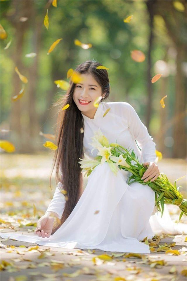 Ngẩn ngơ trước vẻ xinh đẹp của nữ sinh Văn hóa sở hữu mái tóc dài 1m35 - 2