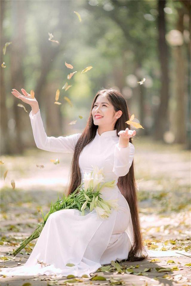 Ngẩn ngơ trước vẻ xinh đẹp của nữ sinh Văn hóa sở hữu mái tóc dài 1m35 - 7