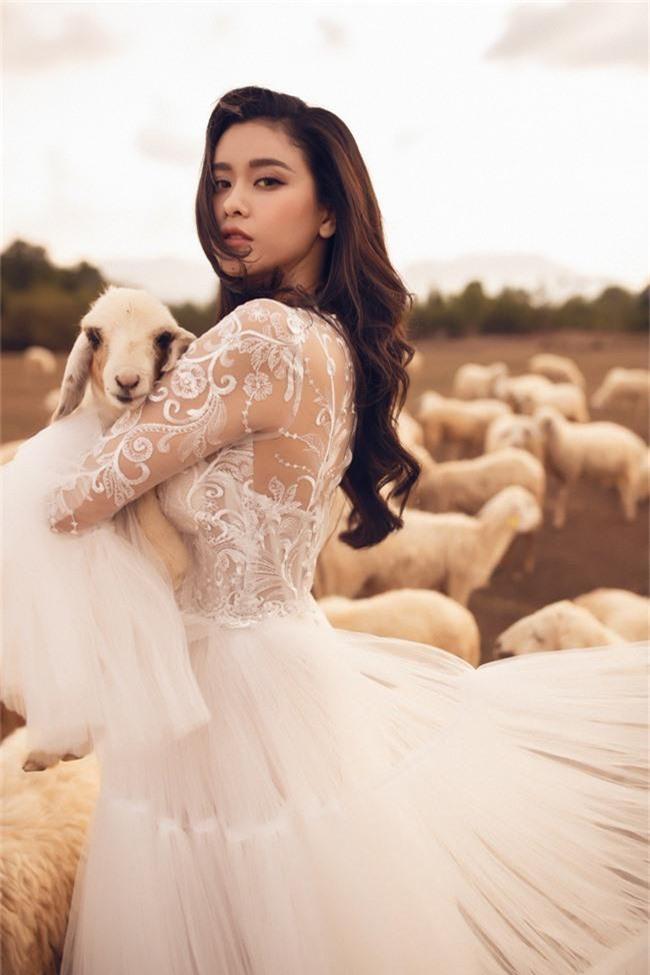 Hậu ly hôn, Trương Quỳnh Anh xóa bỏ dấu vết gái một con - Ảnh 1.