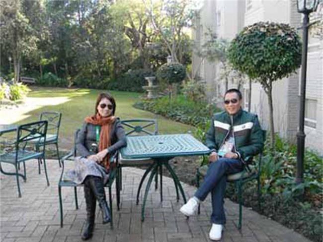 Tiết lộ danh tính nửa kia và chuyện hôn nhân của Nhà báo Lại Văn Sâm, Long Vũ cùng loạt BTV nam nổi tiếng phía Bắc - Ảnh 1.